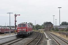 DBS 218-380 and sister 376 with IC from Hamburg arriving at Niebüll on 17 July 2014