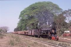 aphv-1201-030224-myanmar-kyungon-yd974-met-houttrein--24-2-2003