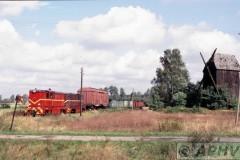 aphv-1347-010922-pkp-ex-lijn305-ldx2-304-en-303--molen-bij-smaszew-22-9-2001