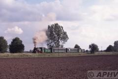 aphv-1355-010915-pkp-px48-1756--lijn319-onderweg-nabij-annopole-