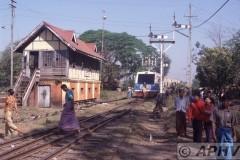 aphv-137-myanmar-rly-bago-north-signalbox-18-2-2003