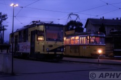 aphv-1386-030929-miskolc-station-(nacht)-tiszai-pu--200-lijn1-en-168-lijn2---29-9-2003