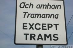 aphv-1641-dscn1513-3-9-2005-luas-tramway-dublin-ireland-