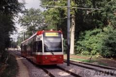 aphv-1885-990930-croydon-tramlink-2536-addington-hills---trial-running--04