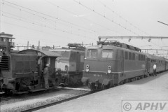 aphv-2110-00393-ns1505-253-db110-234-2-lokwissel-ic2513-rdam-koeln-te-venlo-18-8-1975