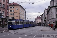 aphv-2413-030911-muenchen-2009-3037-lijn19-bodenseestrasse-passing-rechts-marienplatz-11-9-2003