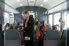 aphv-3541-dscn8848-rhb-reisenden-zu-oberwald-im-zug-2-3-2009-aphv