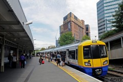 aphv-3955--dsc8574-20110822-3357-ps-london-overground-term-west-croydon-378-233