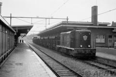 aphv-397-0391-ns2517-met-bij-jansen-verbouwde-grintw-voor-vgl-bergen-op-zoom-18-8-1975