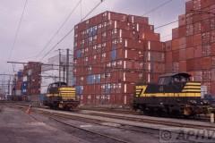 aphv-406-antwerpen-haven-nmbs-7405-en-7409-containers--6-9-2002