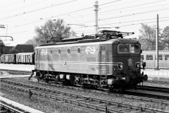 aphv-410-01259-ns1157-in-original-livery-zwolle-16-5-1976