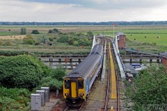 aphv-4138--dsc8920-20110825-3679-nat-express-156422-reedham-swing-bridge-aphv-ps