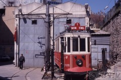 aphv-546-040404-istanbul-old-tram-47-remise-taksim-cad--4-4-2004