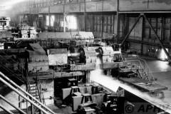 aphv-699-12054-coil-being-produced-warmbandwalserij-15-9-1979-hoogovens-ijmuiden