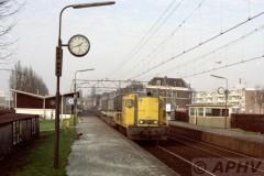 aphv-880-15644--30-12-1982-ns2405-met-kangerou-trein--