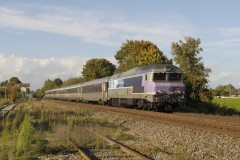 2013-10-23 gare Saint Mesmin closed for passengers and CC 72-190 speeds by