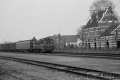 aphv-1036-19121-23-3-1983-ns2200-met-gdr-trein-station-kesteren