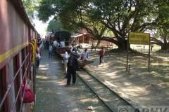 aphv-1260-dscn1927-12-dec-2005-janakpur-rly-st-mahinathpur