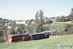 aphv-1322-010920-pkp-lijn119-kerkje-nabij-hadle-szkalarskie-km30-na-tunnel-20-9-2001