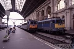 aphv-1372-030929-mav-budapest-bhf-keleti-pu-v63-154-en-v43-1137-29-9-2003