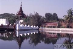 aphv-1412-030227-myanmar-mandalay-royal-palace-entrance-27-2-2003
