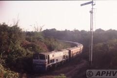 aphv-1424-030218-myanmar-1-km-voorbij-mokpalin-avondlicht-df2018-18-2-2003