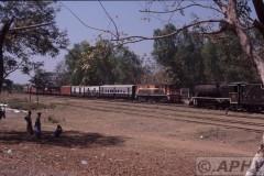 aphv-1426-030219-myanmar-hninpale-kruising-df1256-en-yd962-19-2-2003