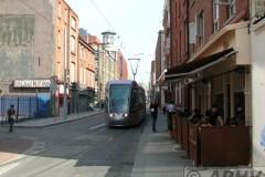 aphv-1610-dscn1520-3-9-2005-luas-3004-red-line--dublin-abbey-street