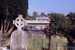 aphv-1643-050904-luas-green-line-at-dundrum-st-nahi-s-church-yard02