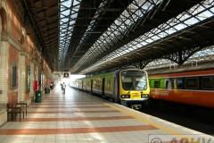 aphv-1647-dscn1604-5-9-2005-dublin-connolly-station