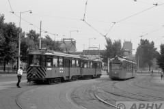 aphv-1772-00319-rotterdam-ret-mannenkoor-rit-2503-en-303-rechts-schindler-241-lijn-3---9-8-1975--04