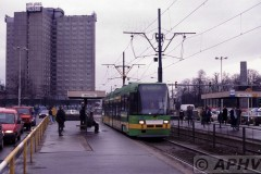 aphv-1873-poznan-mw400-lijn-12-halte-zuidzijde-glowny-station-op-3-3-1999