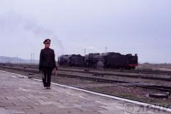 aphv-193-040825-haoluku-st-master-saluts-arriving-train-and-backgr-qj6998-6850