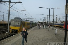 aphv-2438-dscn8643--running-boy--veolia-3118-en-noordnet-3222-venlo-8-12-2007-aphv