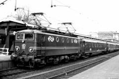 aphv-3722-12766-ns-1152-met-ic-keulen---den-haag-te-dordrecht-26-3-1980--03