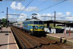 aphv-3912--dsc8147-20110701-2963-a-noorderdokken-nmbs-2603-p-trein