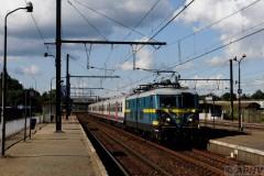 aphv-3913--dsc8193-20110701-3006-a-noorderdokken-nmbs-2364-piekuur-trein