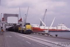 aphv-404-antwerpen-haven-nmbs-7720-brug---schip--6-9-2002
