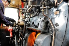 aphv-4132--dsc8806-20110825-3574-lok-43106-footplate-sharingham-nnr-aphv-ps