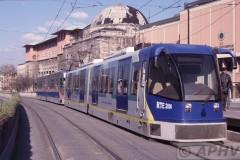 aphv-547-040404-istanbul-sneltram-mw-2000-ordu-cad-universitesi-4-4-2004